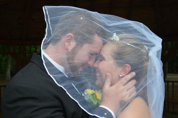Девушка потеряла память, и муж сыграл для нее вторую свадьбу