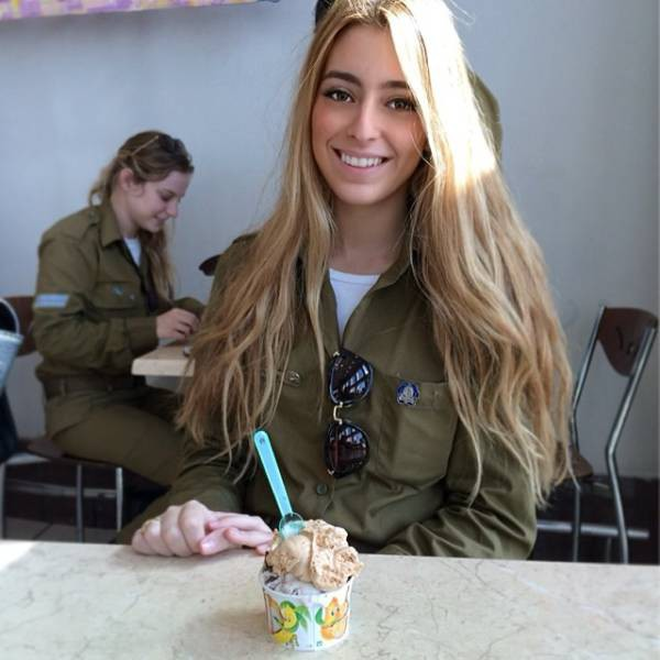 israeli_army_girls_that_are_real_beauties_in_uniform_640_02