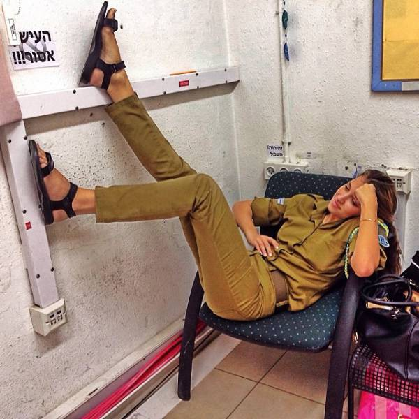 israeli_army_girls_that_are_real_beauties_in_uniform_640_05