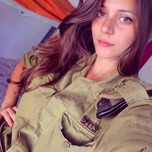 israeli_army_girls_that_are_real_beauties_in_uniform_640_06