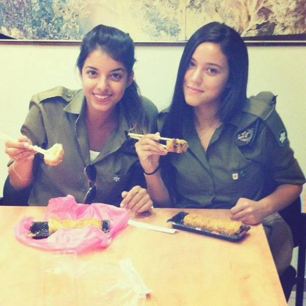 israeli_army_girls_that_are_real_beauties_in_uniform_640_12