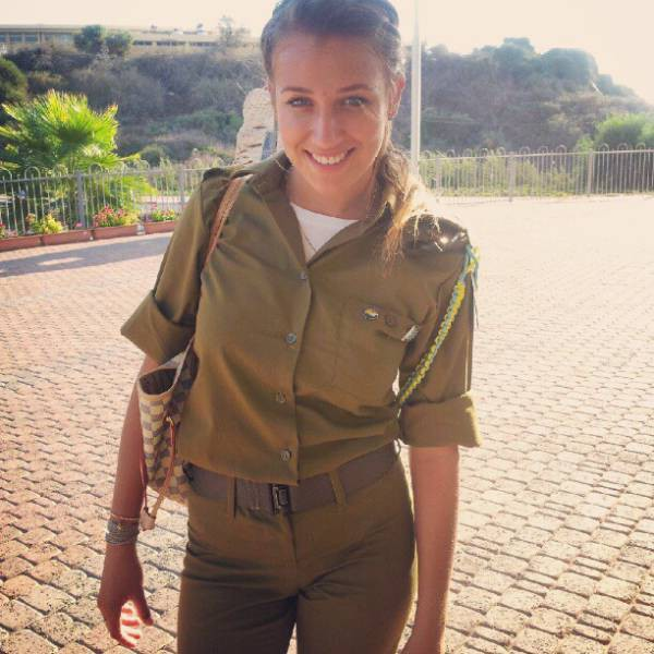 israeli_army_girls_that_are_real_beauties_in_uniform_640_15