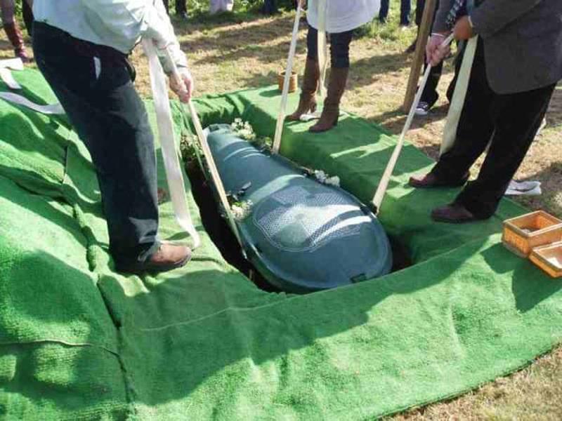 Он требовал, чтобы жена похоронила с ним все его деньги. То, что она придумала, просто гениально!