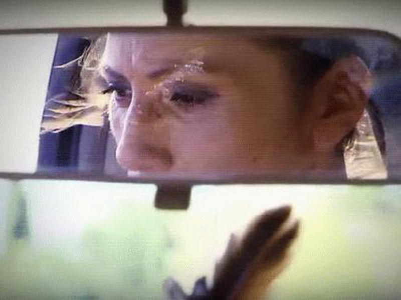 Женщина увидела свою ученицу в чужой машине и заподозрила неладное. Ее интуиция сработала вовремя.