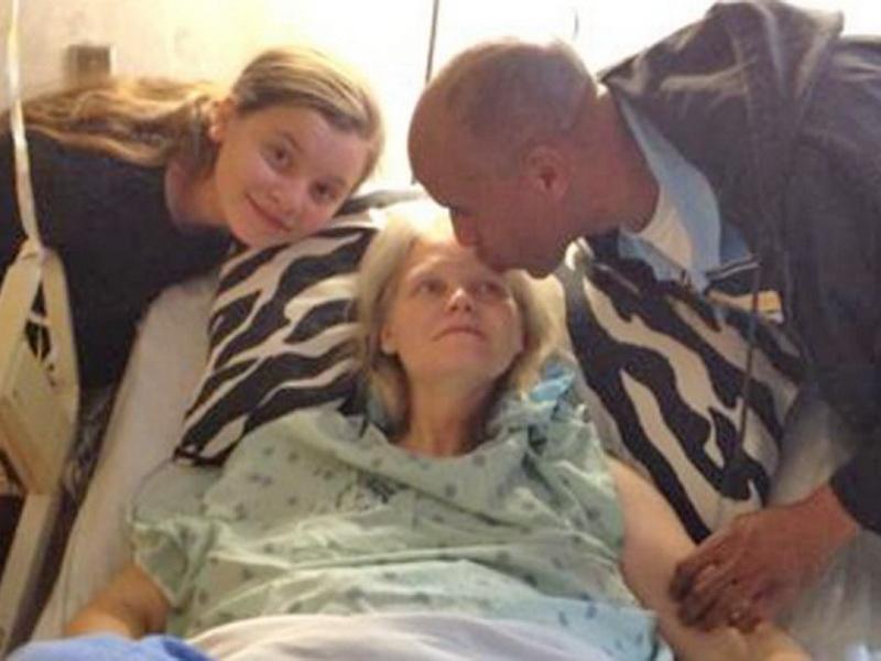 42-летняя мама ждала тройняшек. Но во время родов произошло нечто более удивительное!