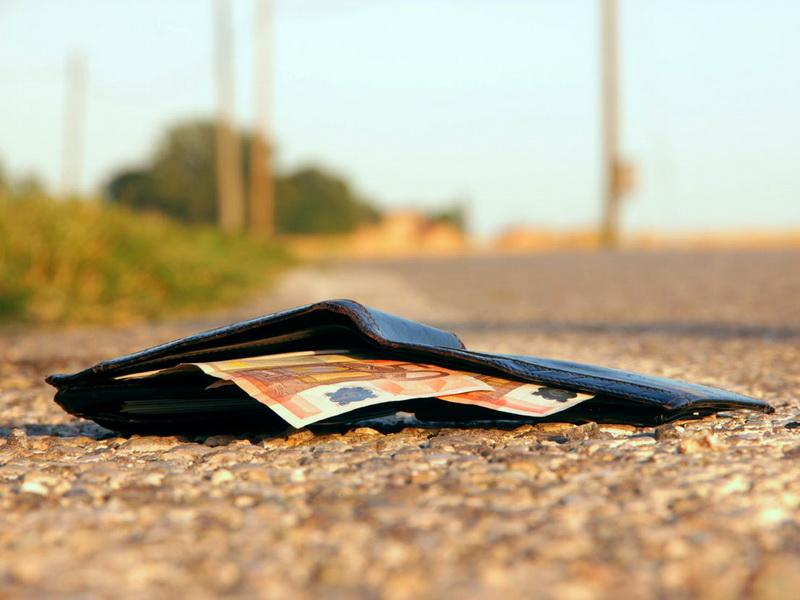 Таджикистанец вернул девушке потерянный кошелек. Но как он это сделал! Вы не поверите
