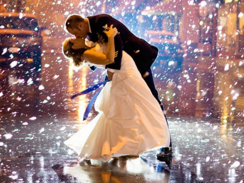 17 фотографий пар, которые доказывают,  что свадьба зимой — это классно!