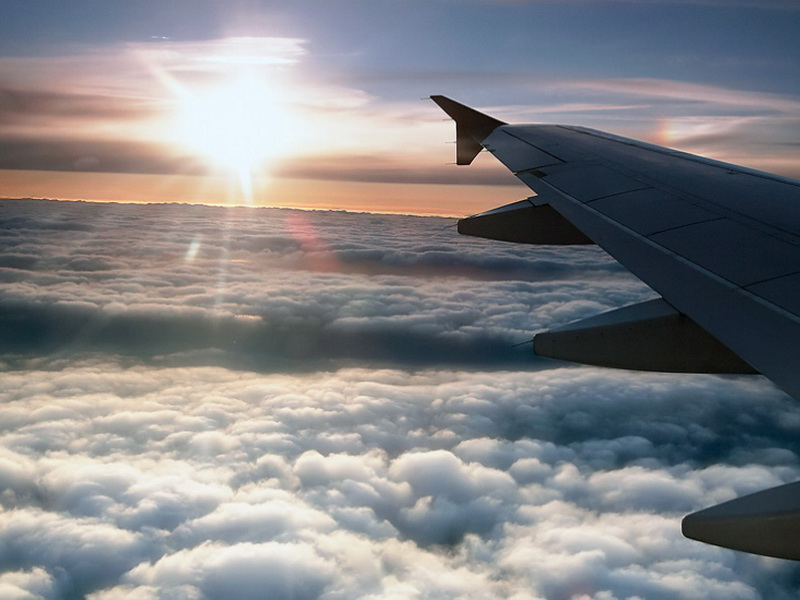 27 причин взять в самолете место у окна