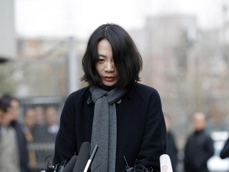 Если ты дочь главы Korean Air, то закон для тебя не писан или…?