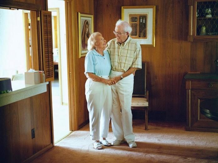 Фотографии пар, женатых уже более 50 лет, заставляют поверить в настоящую...