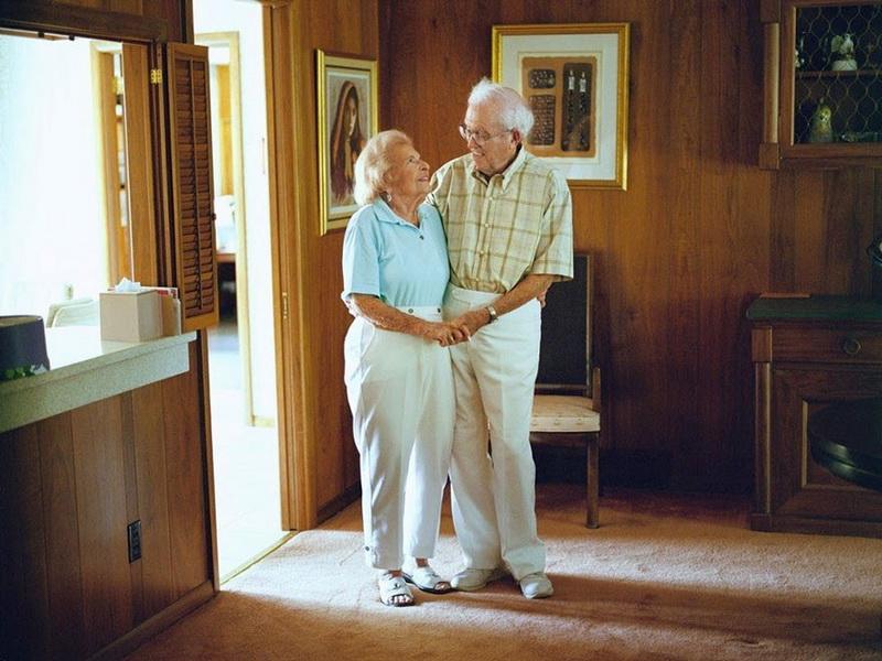 Фотографии пар, женатых уже более 50 лет, заставляют поверить в настоящую любовь