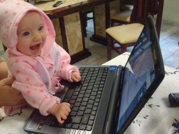 Favim.com-baby-children-computer-conectec-cute-240982