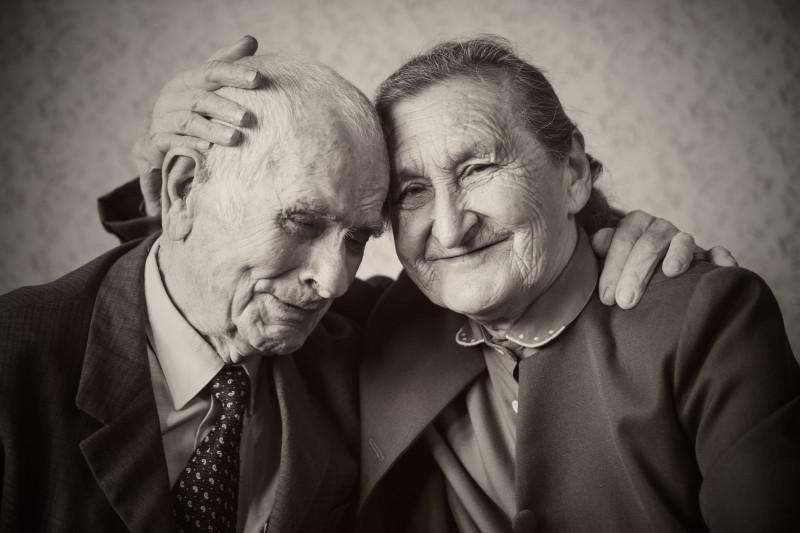 У мудрого человека спросили: Как у вас получается сохранять семейное счастье?
