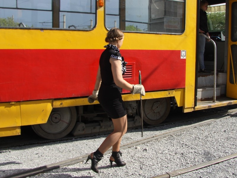 Два чеченских пацана плюнули на неё из трамвая. Я не мог представить, что произойдет потом.