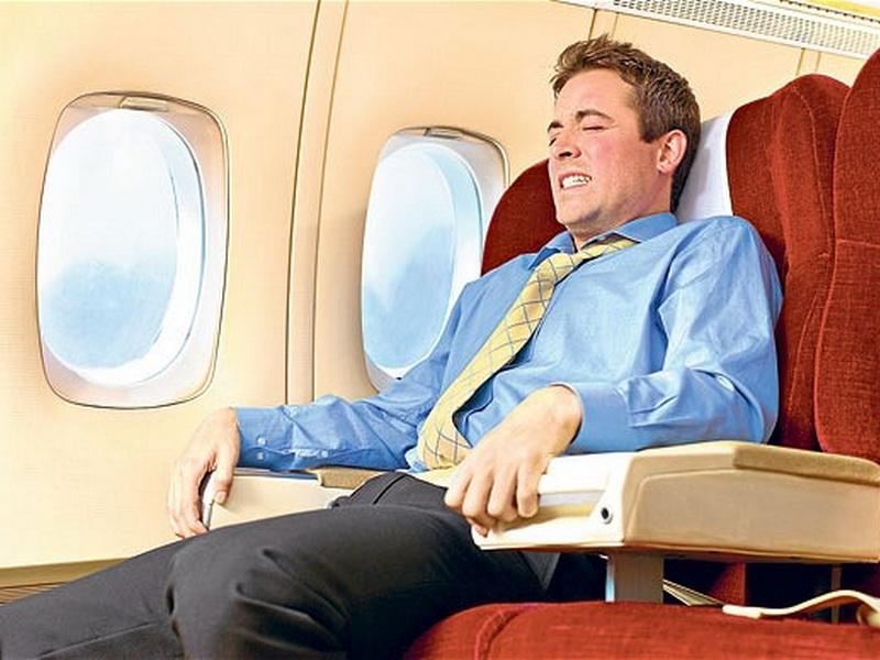 Замечательный диалог в самолете между дедком и молодым парнем
