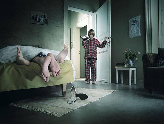 Встает утром семья. Отличный анекдот про Вовочку! (18+)