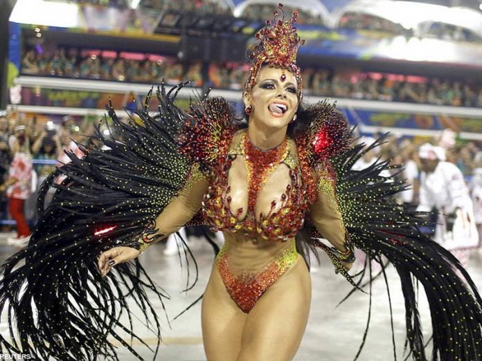 Фото из Рио-де-Жанейро: зажигательная атмосфера карнавала 2016
