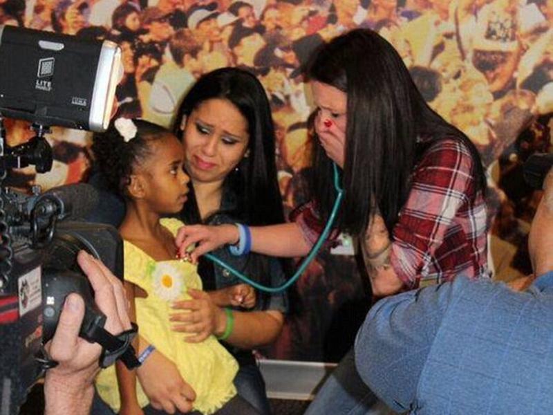 Мама, которая слышит биение сердца своего погибшего сыночка