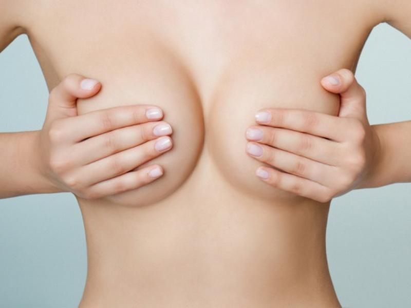 Она опубликовала откровенное фото своей груди с одной лишь целью