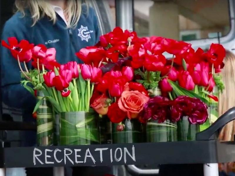 Организатор свадеб нашла гениальный способ, как использовать цветы, оставшиеся после торжеств