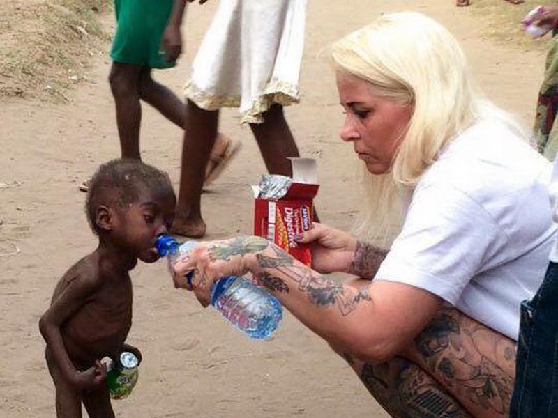 Как стал выглядеть умирающий от голода мальчик после того, как его спасли волонтеры