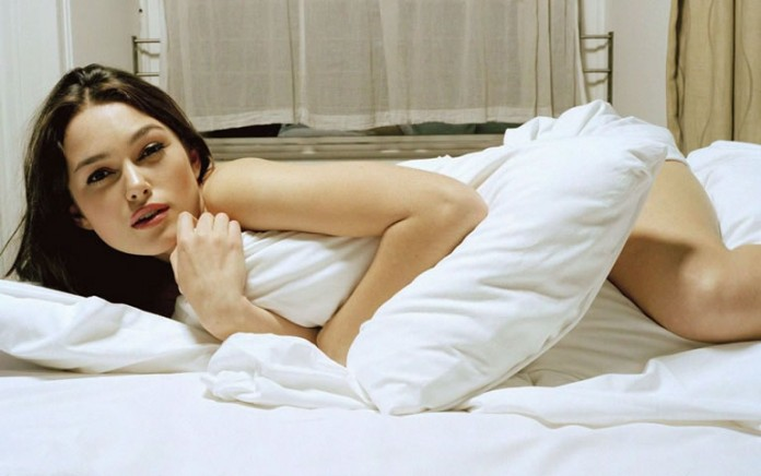 Муж снял свою жену в постели фото 788-998
