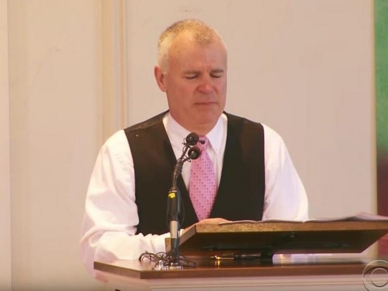 Отец сказал речь на похоронах своего сына, а затем открыл страшную тайну