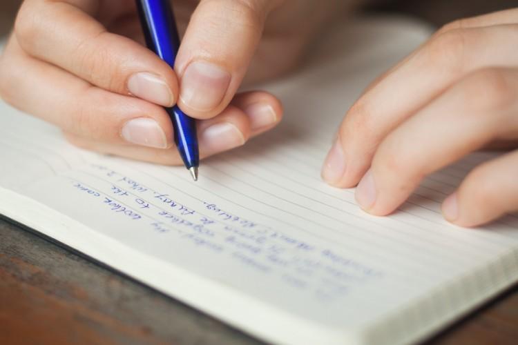 Дочь отослала родителям шокирующее письмо. Какая находчивость.