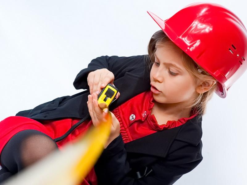 5-летня девочка начала общаться со строителями. И вот ЧТО произошло потом