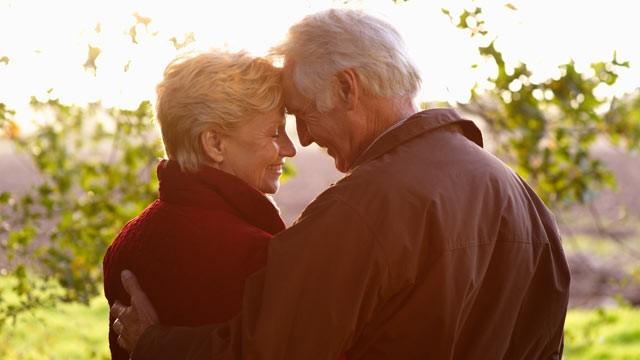 Он думал, что его жена теряет слух. Но было то, о чем он не догадывался.