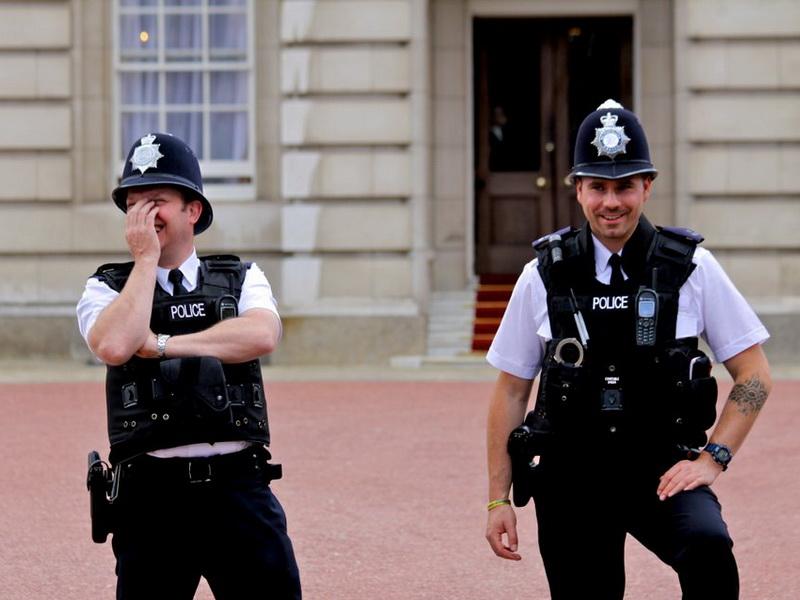 Американский турист попался на глаза полицейскому. Последствия очень неожиданны!