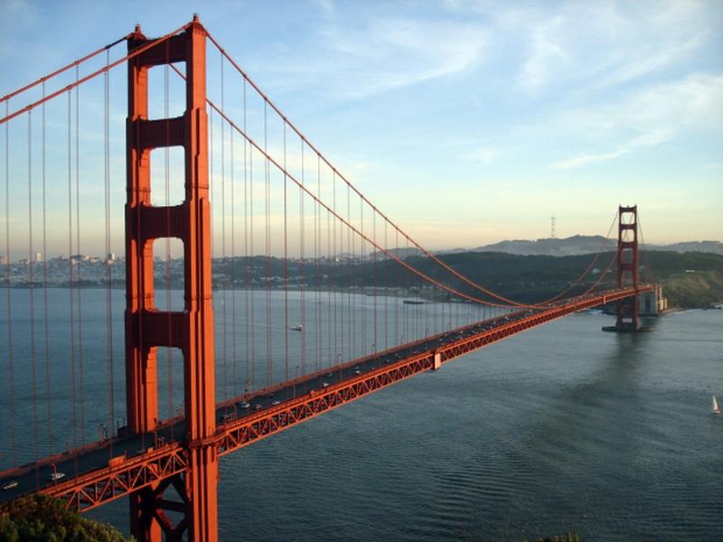 Женщина хотела спрыгнуть с моста. Но после того, что ей сказал этот мужчина, она сразу передумала!