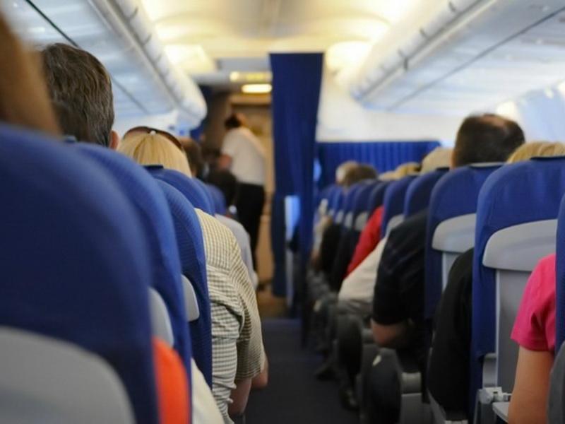 Она сказала, что на всех пассажиров питания не хватит. Ответная реакция была неожиданной!