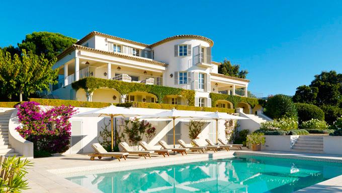 Продается вилла у моря, 3 этажа. С бассейном и садом. Стоимость — $1
