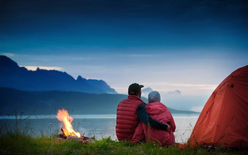 Они решили провести ночь на природе. Но такого ответа от девушки он не ожидал.