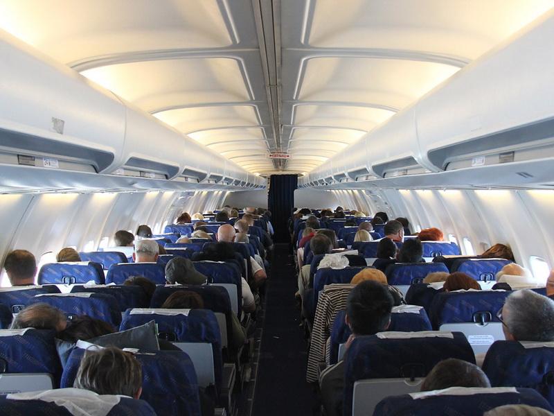 Просто супер! Лучший диалог в самолете между американцем и арабами.