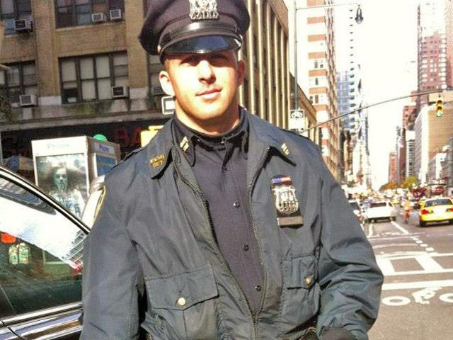 Этот полицейский принял вызов о насилии в семье. Но он не ожидал увидеть такое!