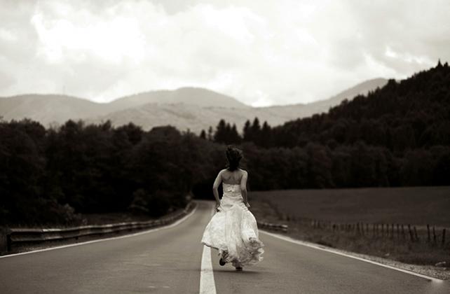 Невеста сбежала со свадьбы, после того, как случайно подслушала один разговор