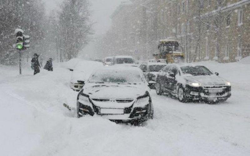 Женщина начала паниковать, когда пошел снег. Тогда муж сказал ей это!