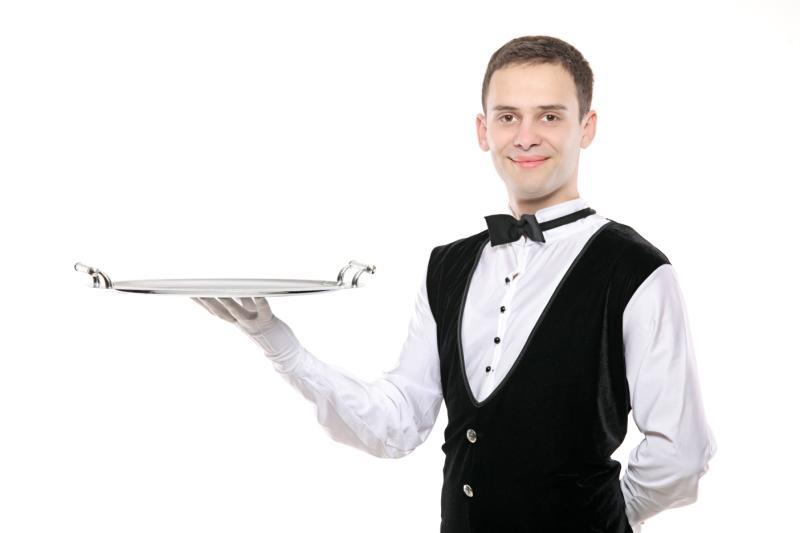 Мать берет своего заикающегося сына в ресторан. То, что сделал их официант просто восхитительно!