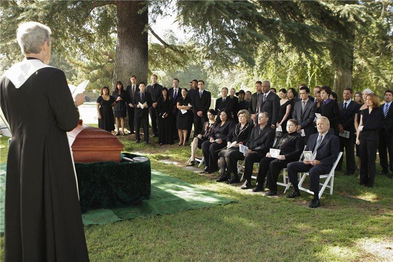 Мужчина, полное ничтожество, просит священника сказать речь на похоронах своего брата. То как он выполнил его просьбу просто шок!