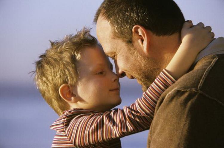 Его бывшая жена призналась после 15 лет, что ее сын был не от него. Тогда сын сказал это!