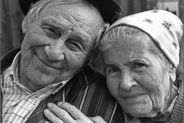 Старик, рассказав, как он нашел любовь своей жизни, заставил своих собеседников глубоко задуматься