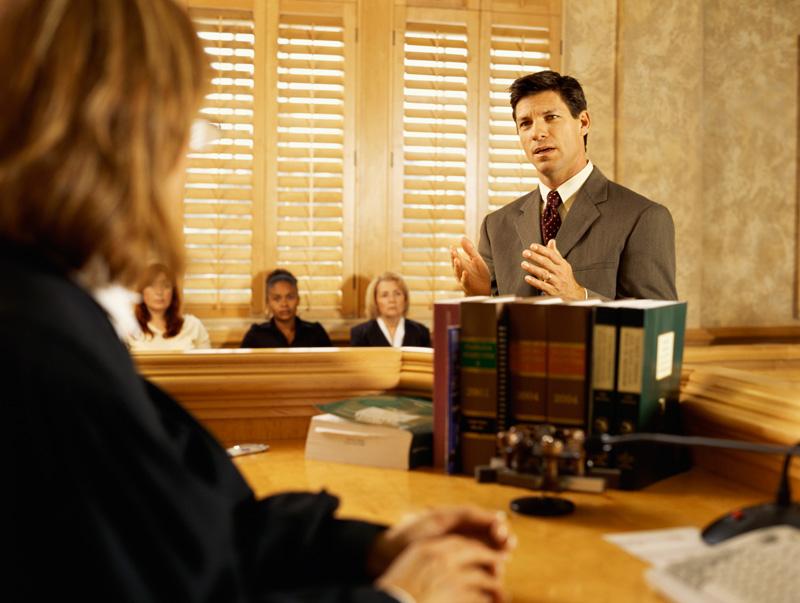 Этот адвокат пошел на уловку в зале суда. Что последовало за этим – бесценно!