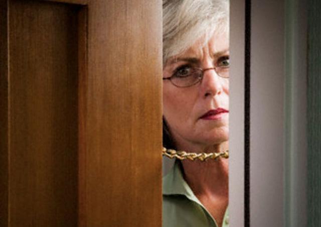 Ответ старой преподавательницы за закрытой дверью поразил своей логикой