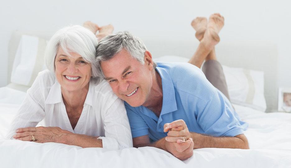 Пожилая пара приходит на прием к сексопатологу. Что произошло дальше – шок!