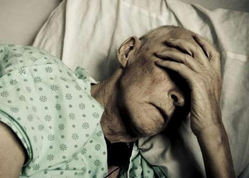 Она была потрясена, когда узнала, почему этот морской офицер пришел в больницу. Это шок!