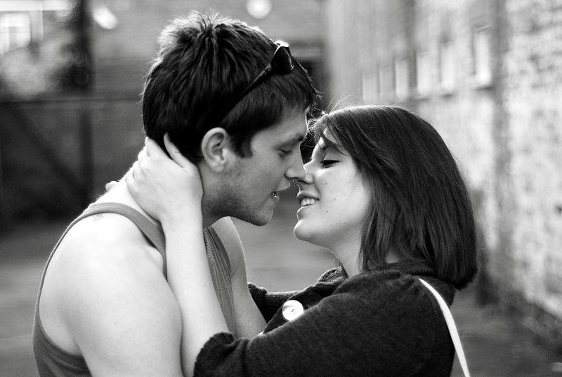 Он молил подарить ему первый поцелуй. Но то, что сестра его девушки сказала ему – истерика!