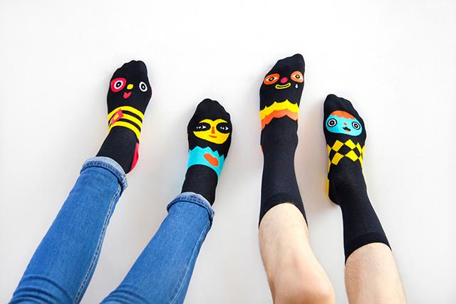 Постоянные проблемы с носками побудили его решить их восхитительным способом