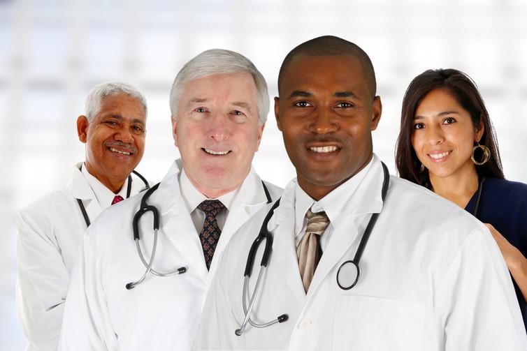 Эти врачи расхваливали прогресс в своих странах. Но то, что сказал последний врач – удивительно!